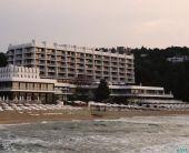 Хотел Палас, Слънчев ден - Затворен комплекс, 5* хотел с 25% отстъпка - ALL INCLUSIVE, топъл минерален басейн